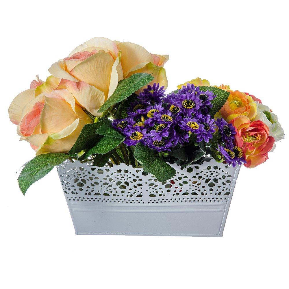 De ce merita sa ai un ghiveci de flori in gradina?